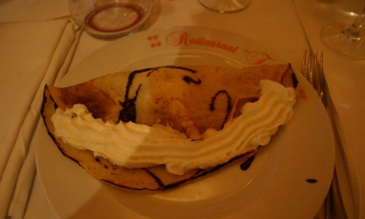 12-may-krka-torcida-our-dinner-stop-palacinke-crepe-with-ice-cream-and-chocolate-terimuse