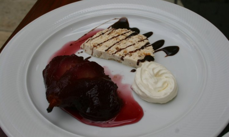 3-may-split-pear-poached-in-cranberry-sauce-whipped-cream-ice-cream-like-tiramasu-with-chocolat