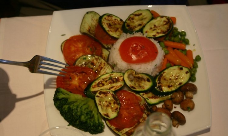 6-may-omis-brela-dinner-and-sunset-jims-veggie-dish