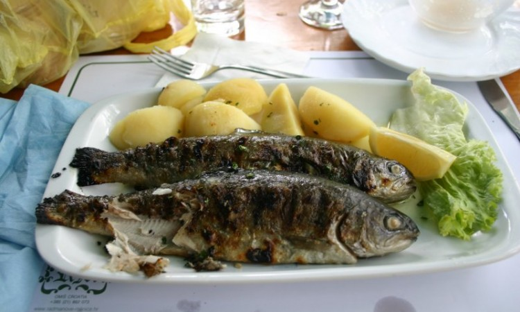 6-may-omis-lunch-at-radmanove-mlinice-dons-trout-and-potatoes