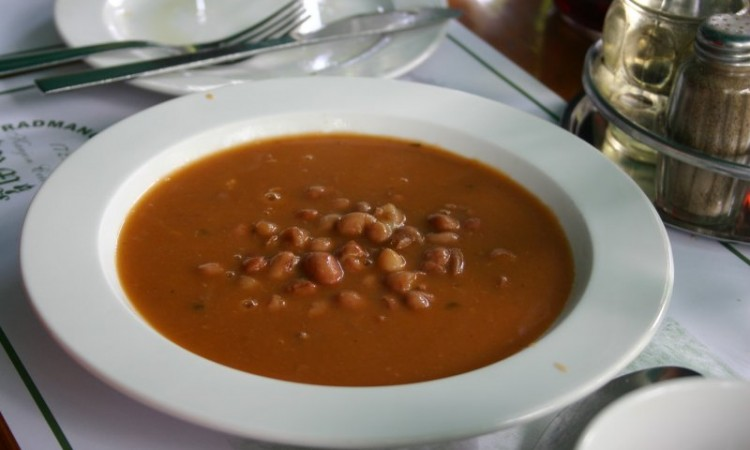 6-may-omis-lunch-at-radmanove-mlinice-glendas-bean-soup